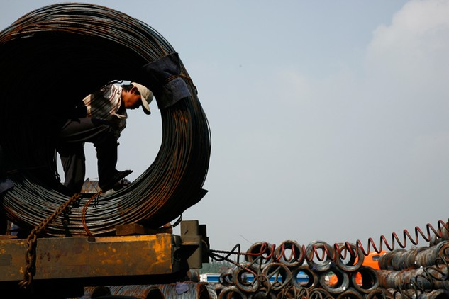 Biên độ phá giá đối với thép Việt Nam mà Malaysia áp dụng là từ 4,58 - 10,55%. Ảnh: Lê Tiên
