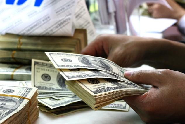 Nợ công tăng mạnh vì Chính phủ phải vay nợ để bù đắp chi đầu tư phát triển. Ảnh: Lê Tiên