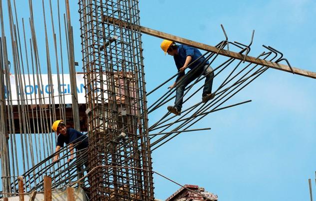 Biện pháp đảm bảo an toàn lao động thường được các nhà thầu cam kết trong HSDT. Ảnh: Lê Tiên