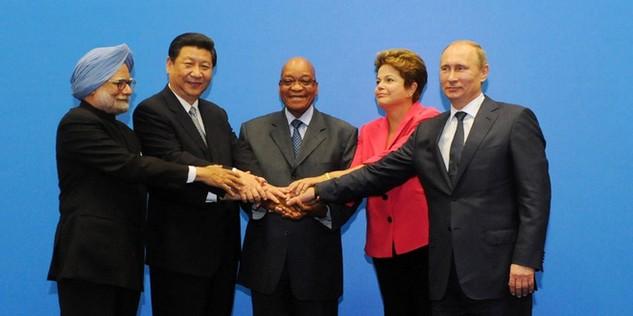 """IMF: Đoàn kết hay là """"chết"""""""