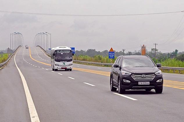 Dự kiến đến năm 2020 cả nước sẽ có 2.161 km đường cao tốc được đưa vào khai thác(Trong ảnh: Cao tốc Nội Bài - Lào Cai) - Ảnh: Khánh Linh