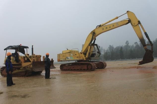Chuẩn bị mặt bằng để xây dựng Nhà máy lọc dầu Nghi Sơn (Thanh Hóa) thời điểm tháng 10-2013 - Ảnh: Hà Đồng