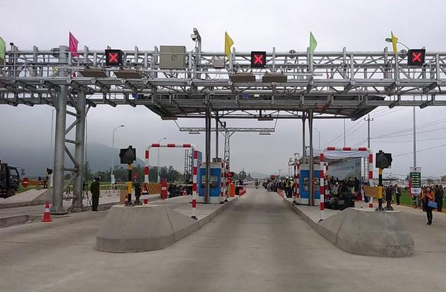 Dự án Thu phí tự động không dừng và kiểm soát tải trọng xe trên toàn quốc – giai đoạn I áp dụng cho Quốc lộ 1 và đường Hồ Chí Minh đoạn qua Tây Nguyên theo hình thức hợp đồng BOO. Ảnh: Phùng Trọng