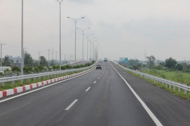 Yêu cầu đẩy nhanh tiến độ cao tốc Bến Lức - Long Thành