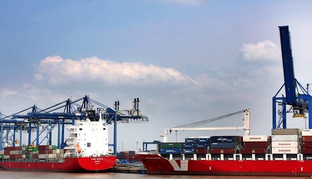 Ngành thuế đã dành ra 17.000 tỷ đồng để hoàn thuế GTGT cho hàng hóa xuất khẩu. Ảnh: LTT