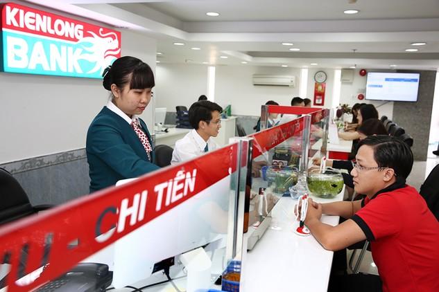 Hạ tầng tài chính Việt Nam đã được củng cố tích cực nhờ sắp xếp lại hệ thống ngân hàng. Ảnh: Tiên Giang