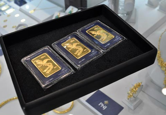 Mỗi lượng vàng SJC hiện khoảng 33,7 triệu đồng - ngang bằng với thế giới.