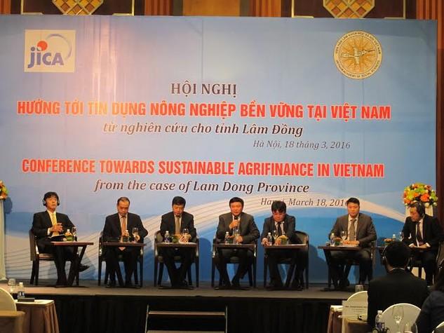 Các đại biểu tham gia phần thảo luận tại Hội thảo.