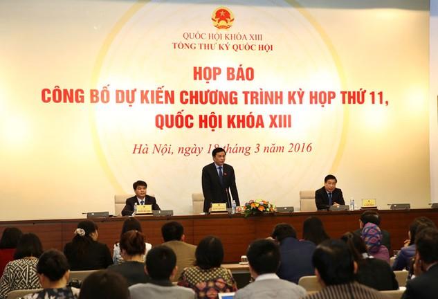 Chủ nhiệm Văn phòng Quốc hội Nguyễn Hạnh Phúc chủ trì Họp báo công bố chương trình và nội dung Kỳ họp thứ 11. Ảnh: Lê Tiên
