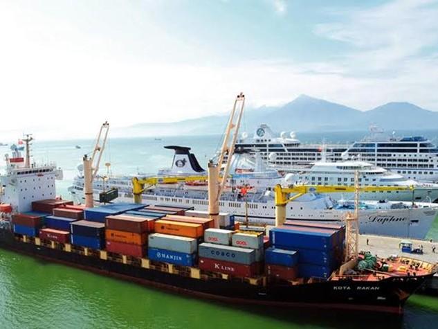 Việc các loại tàu hàng và tàu du lịch cùng lúc cập cảng Tiên Sa đã gây nên tình trạng quá tải và mất an toàn cho du khách.