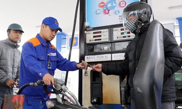 Xin ý kiến Thủ tướng phương án điều chỉnh giá xăng