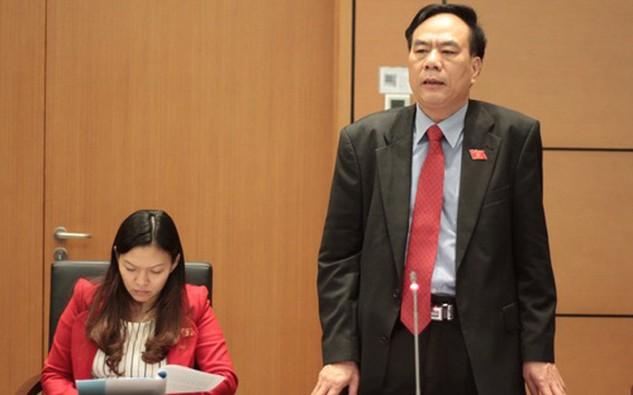 Đại biểu Bùi Đức Thụ phát biểu tại phiên thảo luận tổ, sáng 24/3.