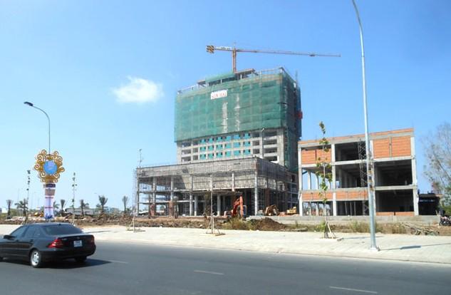 Tổ hợp Trung tâm Thương mại - Khách sạn 5 sao Mường Thanh Cà Mau đang được đẩy nhanh thi công và dự kiến hoàn thành vào 19/05/2016