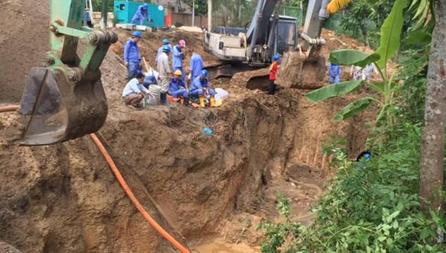 Đường ống nước sông Đà đã 17 lần bị vỡ.