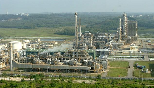 Tập đoàn Gazprom Neft (GPN, Nga) không mua cổ phần Nhà máy lọc dầu Dung Quất (Quảng Ngãi) như dự kiến. Ảnh: L.N.