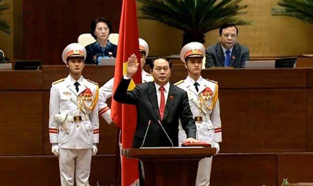 Tân Chủ tịch nước tuyên thệ nhậm chức.