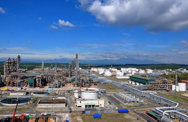 Thuế áp dụng với xăng dầu Dung Quất vẫn cao hơn 10% so với sản phẩm nhập từ Hàn Quốc