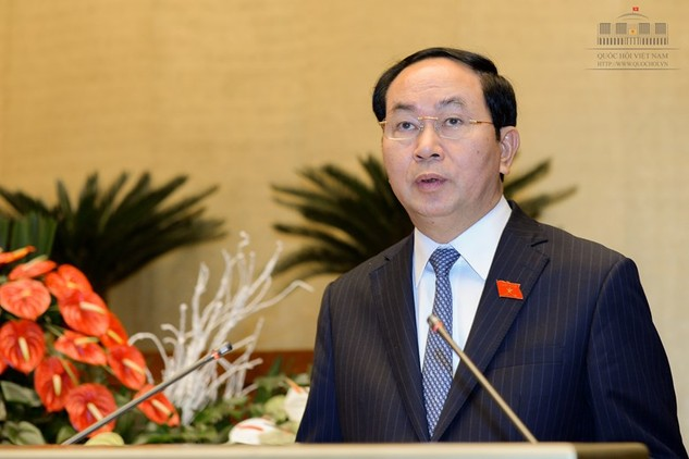 Chủ tịch nước Trần Đại Quang trình bày Tờ trình đề nghị Quốc hội phê chuẩn Công hàm Thỏa thuận về cấp thị thực giữa Việt Nam và Hoa Kỳ