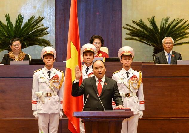 Thủ tướng Chính phủ Nguyễn Xuân Phúc tuyên thệ nhậm chức trước Quốc hội. Ảnh: Việt Dũng