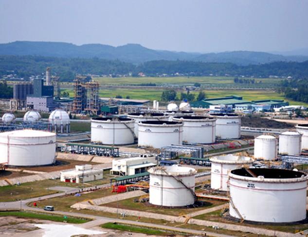Bên cạnh Kho chứa dầu nổi của Nhà máy lọc dầu Dung Quất, tỉnh Quảng Ngãi đang kiến nghị bổ sung thêm kho ngầm để phục vụ Nhà máy lọc dầu Dung Quất và cho cácdoanh nghiệp khác thuê chứa sản phẩm kinh doanh.