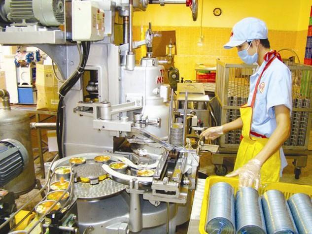 Nếu quy định cấm nhập khẩu máy móc, thiết bị công nghệ đã qua sử dụng có tuổi đời trên 10 năm có hiệu lực, nhiều doanh nghiệp nhỏ sẽ gặp khó khăn do thiếu vốn đầu tư công nghệ mới. Ảnh: UYÊN VIỄN
