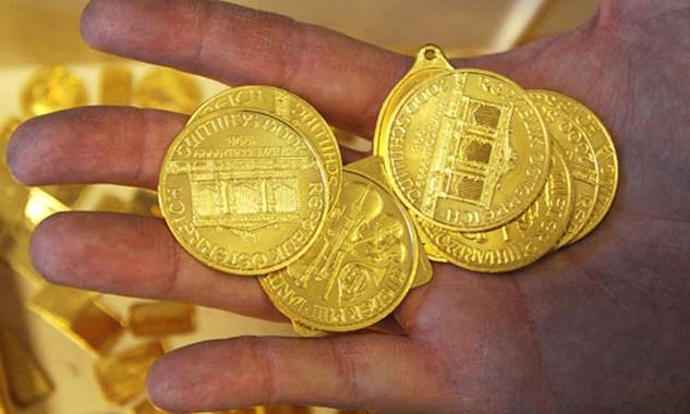 Mỗi ounce vàng đã tăng 1,3% trong ngày đầu tuần. Ảnh: WSJ.