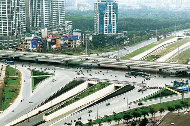 Hầm chui nút giao Trung Hòa (Hà Nội) khánh thành ngày 8/1 đã góp phần xóa bỏ điểm đen ùn tắc và TNGT - Ảnh: Ngô Vinh