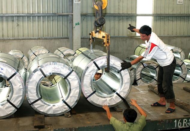 Kim ngạch nhập khẩu giảm cho thấy sự giảm tốc của nhiều ngành sản xuất quan trọng. Ảnh: Lê Tiên