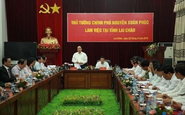 Thủ tướng Nguyễn Xuân Phúc chủ trì cuộc họp với lãnh đạo tỉnh Lai Châu chiều 22/4.