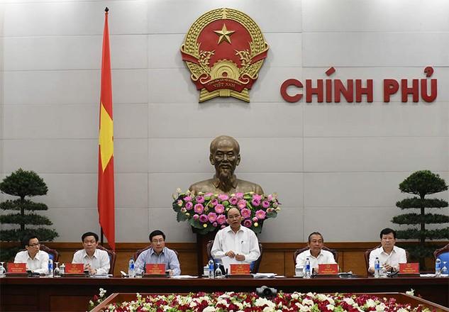 Thủ tướng Chính phủ Nguyễn Xuân Phúc chủ trì họp thường trực Chính phủ sáng 25.4.2016