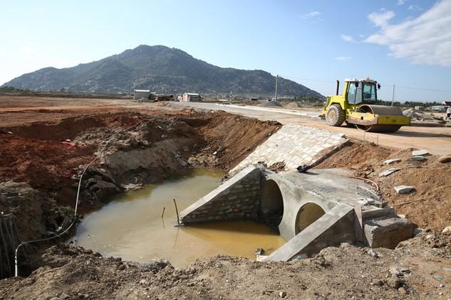 Hoạt động đánh giá, xếp hạng nhà thầu đã góp phần bảo đảm tiến độ, chất lượng các công trình, dự án. Ảnh: Tất Tiên