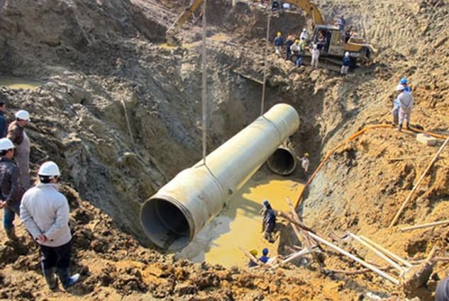 Đường ống nước Sông Đà số một đã vỡ 17 lần sau khi dùng vật liệu composite từ Trung Quốc.