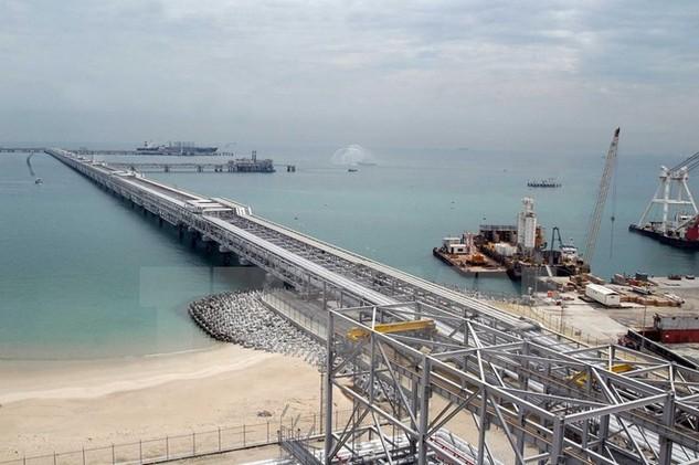 Nhà máy lọc dầu lớn nhất Kuwait. (Nguồn: AFP/TTXVN)