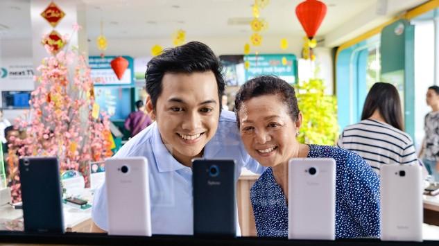 Sắm SmartPhone Viettel: Mua 1, được 12