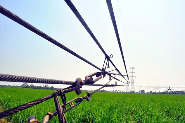 Bộ Công Thương đã thành lập Tổ công tác xác minh nguyên nhân cột điện trên đường dây 500 kV Hiệp Hòa - Quảng Ninh bị đổ. Ảnh: Hoàn Nguyễn