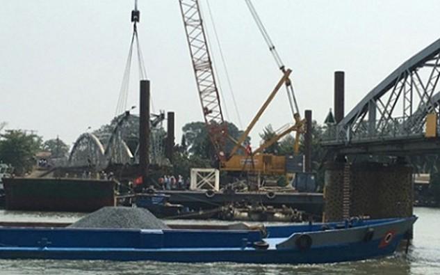 Công trường xây dựng cầu Ghềnh mới. Ảnh: VOV