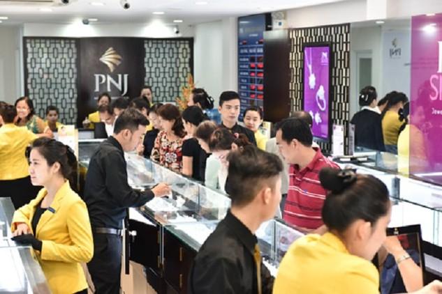 Thị trường vàng trong nước có những phiên giao dịch sôi động trong tuần nhờ giá biến động lớn.