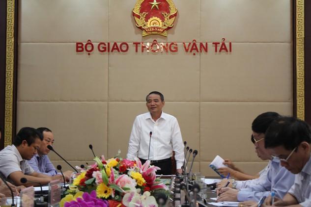 Bộ trưởng Bộ Giao thông vận tải Trương Quang Nghĩa phát biểu tại cuộc họp Quỹ Bảo trì đường bộ. Ảnh: Bích Thảo