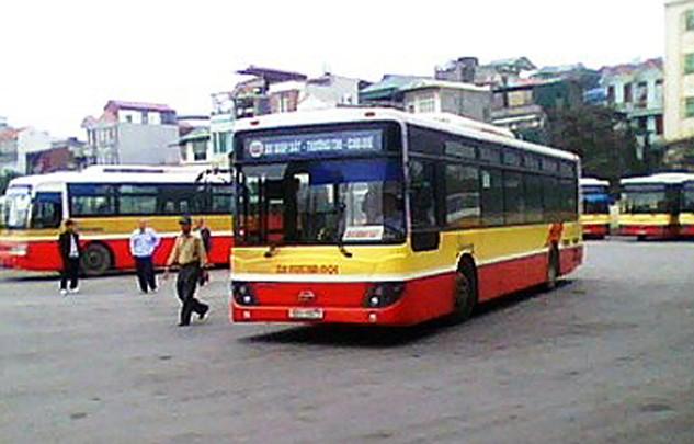 Xe buýt là một dịch vụ mà Hà Nội thực hiện rà soát lại đơn giá (ảnh nguồn Internet)