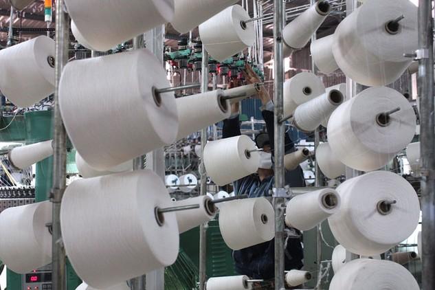 Các cơ sở dệt nhuộm rất dễ gây ô nhiễm môi trường. Ảnh: Tiên Giang