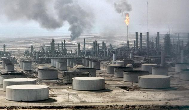 Một nhà máy lọc dầu của Saudi Arabia. (Nguồn: cnbc.com)