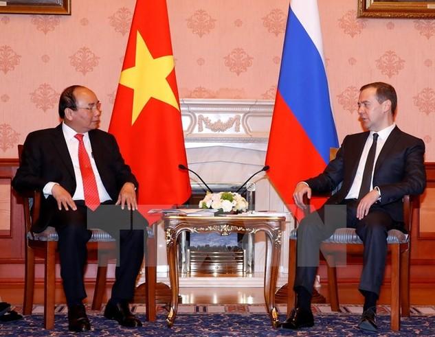 Thủ tướng Nguyễn Xuân Phúc hội đàm với Thủ tướng Nga D. Medvedev. (Ảnh: Thống Nhất/TTXVN)