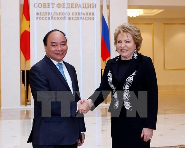 Thủ tướng Nguyễn Xuân Phúc hội kiến với Chủ tịch Hội đồng Liên bang Nga, bà Valentina Matviyenko. (Ảnh: Thống Nhất/TTXVN)