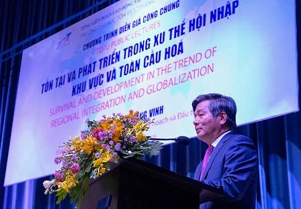 Đại học Tôn Đức Thắng là trường đầu tiên ông Vinh làm diễn giả sau khi thôi chức Bộ trưởng Bộ KH&ĐT