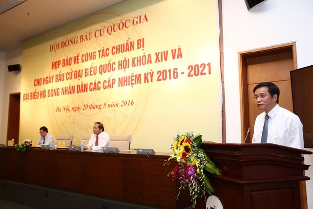 Ông Nguyễn Hạnh Phúc - Tổng thư ký Quốc hội chủ trì buổi họp báo