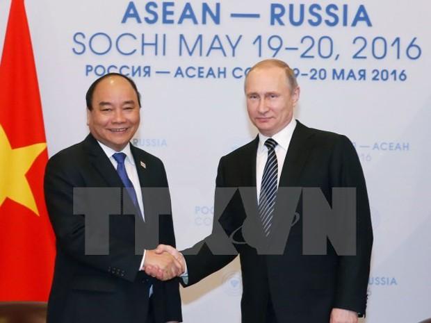 Thủ tướng Nguyễn Xuân Phúc hội kiến Tổng thống Liên bang Nga Vladimir Putin. (Ảnh: Thống Nhất/TTXVN)