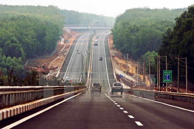 Một đoạn trên tuyến đường cao tốc Thành phố Hồ Chí Minh-Long Thành-Dầu Giây. (Ảnh: Tràng Dương/TTXVN)