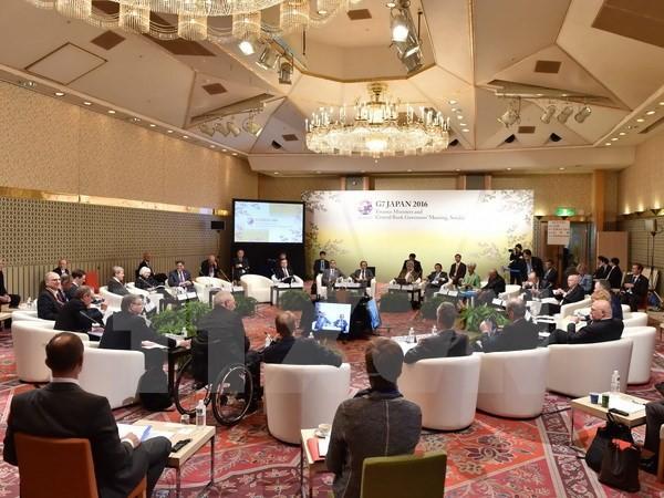 Các đại biểu thảo luận tại Hội nghị các Bộ trưởng tài chính và Thống đốc ngân hàng trung ương của Nhóm G7 ở thành phố Sendai, Nhật Bản ngày 20/5. (Nguồn: AFP/TTXVN)