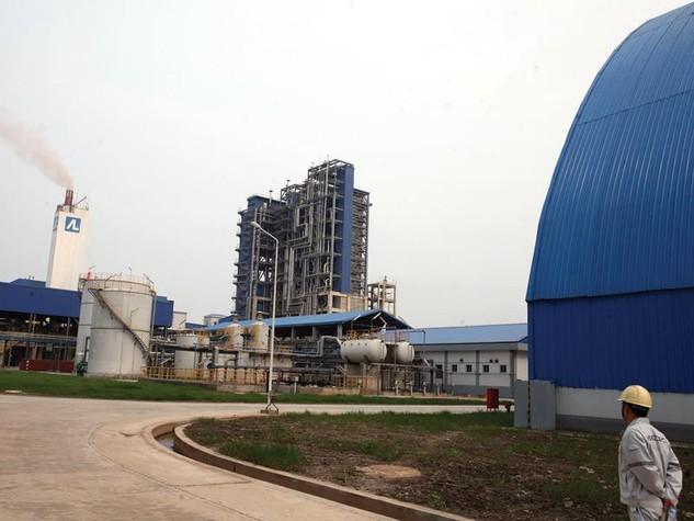 Do làm ăn thua lỗ, sản phẩm không bán được, Nhà máy Đạm Ninh Bình đã phải tạm ngừng sản xuất. Ảnh: Đ.T