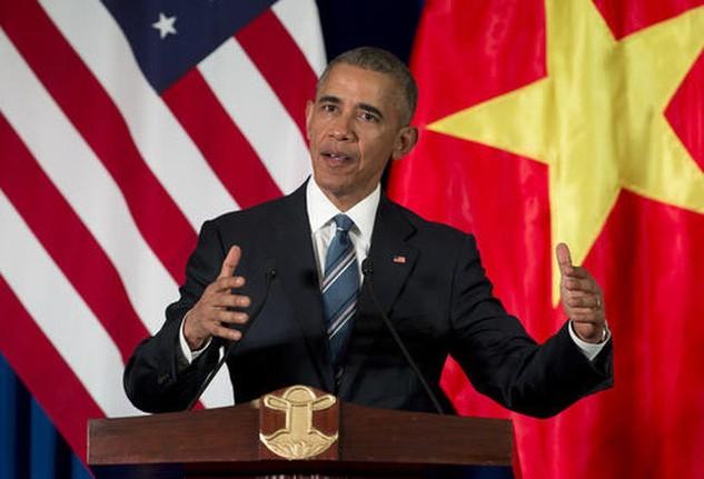 Tổng thống Mỹ Obama trong chuyến thăm chính thức Việt Nam (Ảnh: AP)